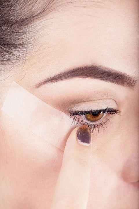 Brown, Skin, Eye, Eyelash, Eyebrow, Eye shadow, Iris, Beauty, Amber, Organ,
