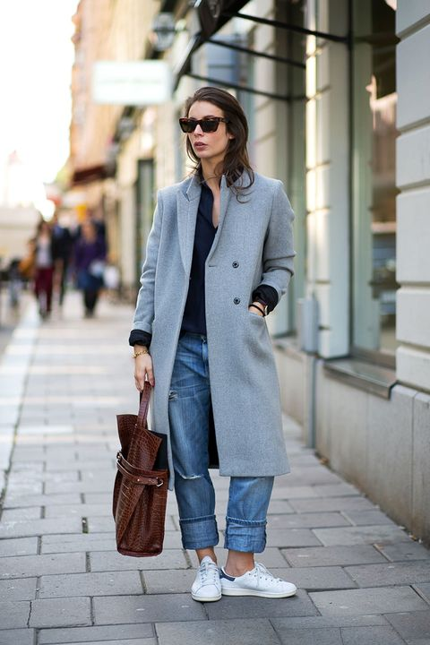 Clothing, Eyewear, Vision care, Brown, Sleeve, Shoulder, Sunglasses, Textile, Bag, Outerwear,