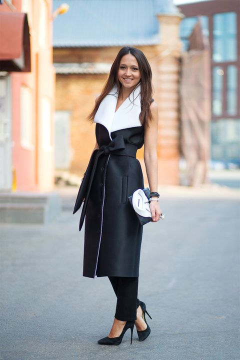 Clothing, Sleeve, Collar, Shoulder, Joint, Outerwear, Formal wear, Style, Street fashion, Bag,