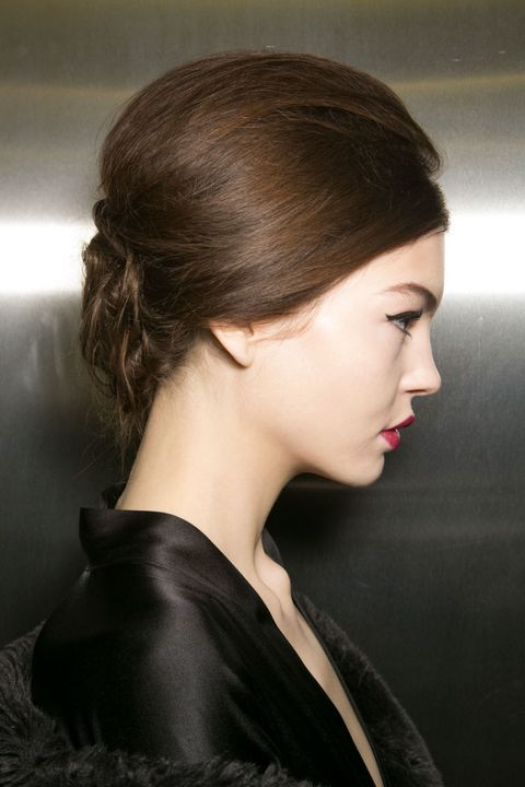 Ear, Lip, Hairstyle, Chin, Forehead, Eyelash, Style, Jaw, Earrings, Black hair,