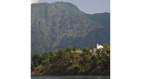 Vegetation, Nature, Mountainous landforms, Natural landscape, Highland, Hill, Mountain range, Mountain, Hill station, Nature reserve,