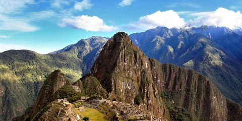 Mountainous landforms, Cloud, Highland, Mountain range, Landscape, Mountain, Ridge, Wonders of the world, Hill, Valley,