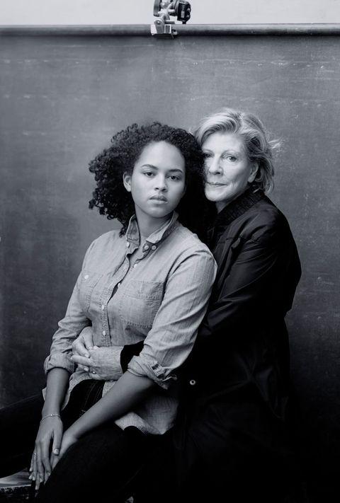 <p><strong>Agnes Gund</strong> heeft een aardige vinger in de pap van MoMA's. Haar kleindochter Sadie Rain is fotografie en mediastudent.</p>