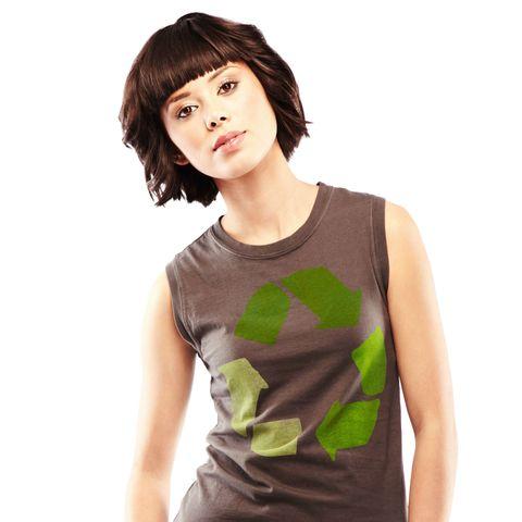 Sleeve, Shoulder, Joint, Sleeveless shirt, Elbow, Bangs, Chest, Fashion, Eyelash, Neck,