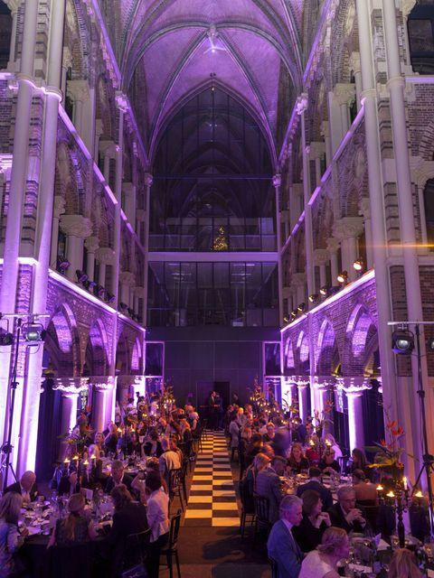 Lighting, Purple, Ceiling, Hall, Violet, Interior design, Aisle, Lavender, Function hall, Vault,