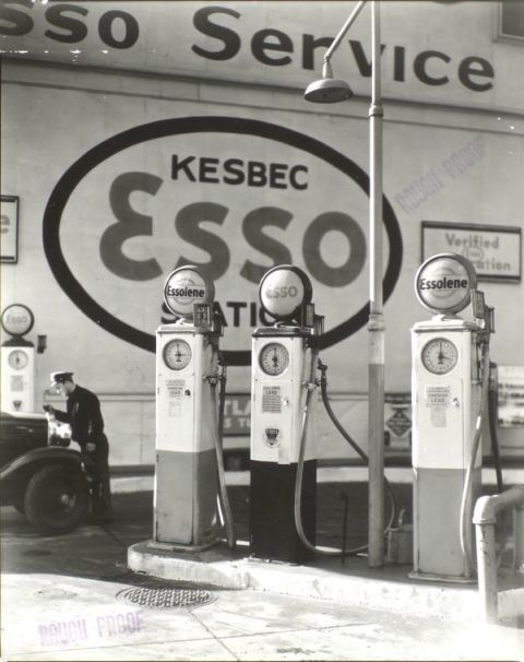 Gas pump, Automotive tire, Filling station, Machine, Monochrome, Black-and-white, Monochrome photography, Gasoline, Gas, Automotive wheel system,