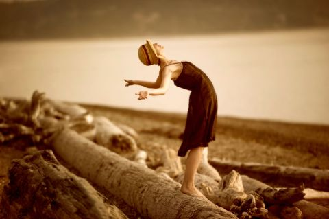 Human, Wood, People in nature, Toy, Barefoot, Driftwood, Foot, Vintage clothing,