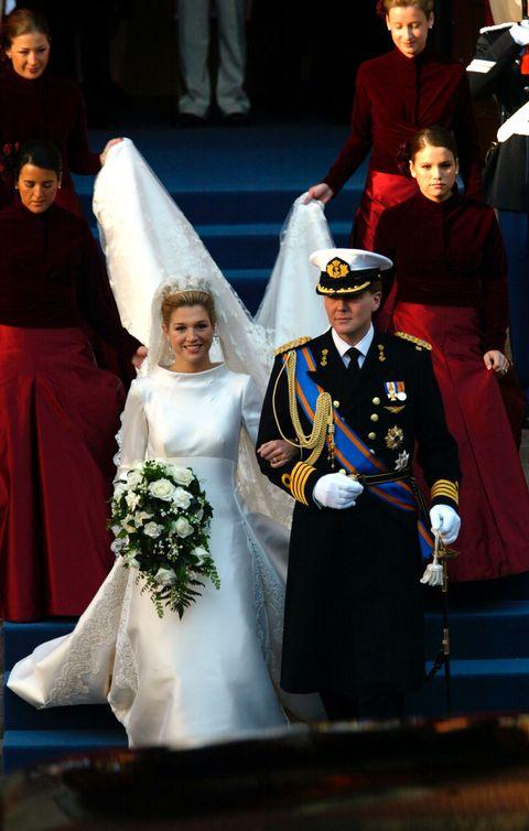 Bridal veil, Veil, Bridal clothing, Dress, Formal wear, Bride, Gown, Tradition, Wedding dress, Ceremony,