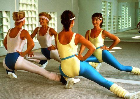 Leg, Human leg, Knee, Thigh, Youth, Trunk, Chest, Physical fitness, Abdomen, Spandex,