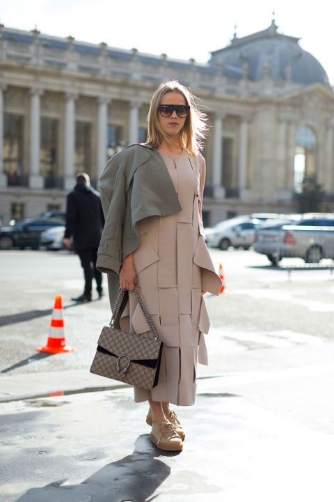 Clothing, Eyewear, Brown, Sleeve, Coat, Sunglasses, Outerwear, Bag, Street fashion, Style,