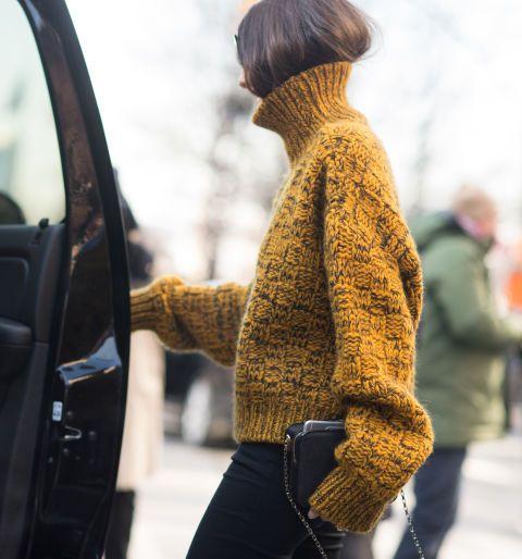 <p>Ooit begonnen op <strong>Instagram</strong> is dit kapsel uitgegroeid tot een ware trend die tijdens de modeweken de straten domineert. Vooral <strong>Olivia Palermo</strong> is er een ster in. Niet alleen oogt het bijster chic, het is ook nog eens een goede oplossing voor je <em>bad hair day.</em></p>