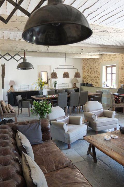 Wood, Room, Interior design, Brown, Floor, Furniture, Living room, Wall, Ceiling, Light fixture,