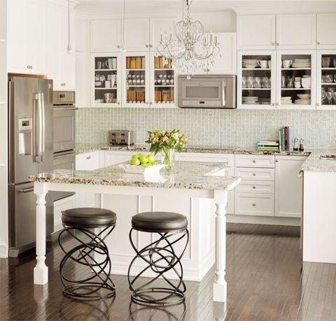 <p>Je kunt simpelweg nooit teveel ruimte hebben in de keuken. Of je nu een ontbijtbar hebt of extra ruimte om je groentes te snijden: extra bewegingsvrijheid op het keukenblok is een grote plus.</p>