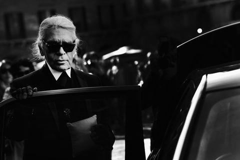 Eyewear, Monochrome, Sunglasses, Monochrome photography, Black-and-white, Goggles, Recital, Jazz pianist, Lectern,