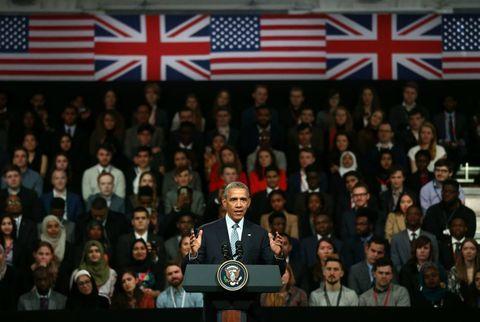 <p>Barack Obama tijdens een evenement in Town Hall waar jongeren uit het publiek hem vragen konden stellen.</p>