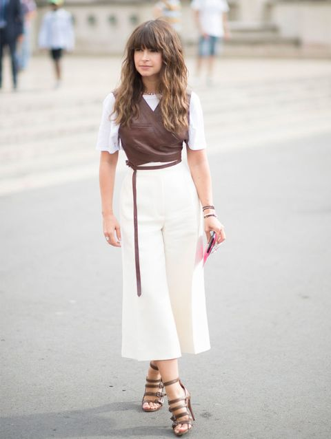 Clothing, Brown, Sleeve, Shoulder, Textile, Bag, Joint, Outerwear, White, Style,