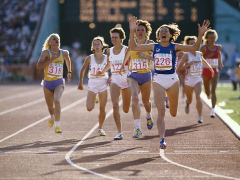 Sports uniform, Track and field athletics, Race track, Endurance sports, Sport venue, Athletic shoe, Running, Athlete, Competition event, Racing,