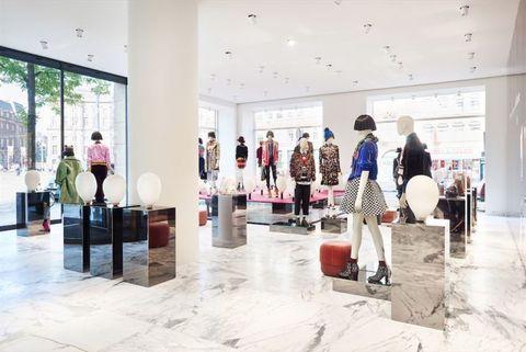 Floor, Interior design, Retail, Flooring, Ceiling, Outlet store, Boutique, Mannequin, Fashion design, Collection,