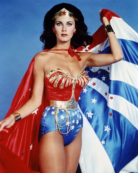 Superhero, Clothing, Wonder Woman, Fictional character, Justice league, Costume, Thigh, Abdomen, Photo shoot, Fashion model,