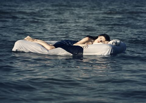 Comfort, Water, Elbow, Mammal, Liquid, People in nature, Muscle, Youth, Black hair, Lake,
