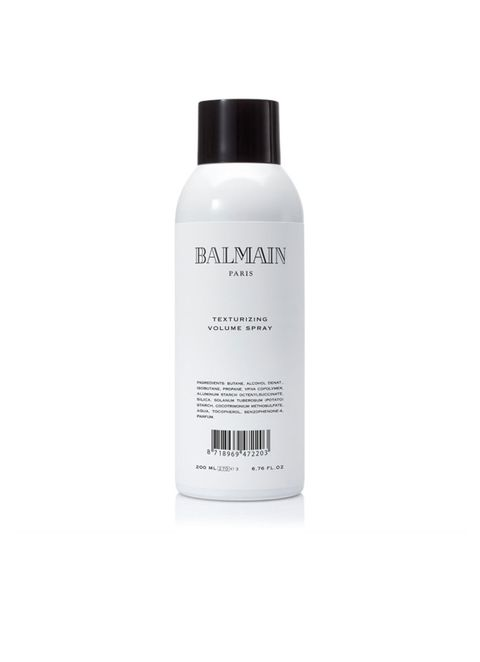 <p>'Lang plezier van je blow-dry? Föhn je haar dan in combinatie met Balmain Texturizing Volume Spray. Breng het dicht bij de aanzet van je haren aan, het maakt direct voller en geeft een langere levensduur aan je net gecreëerde volume.'</p>