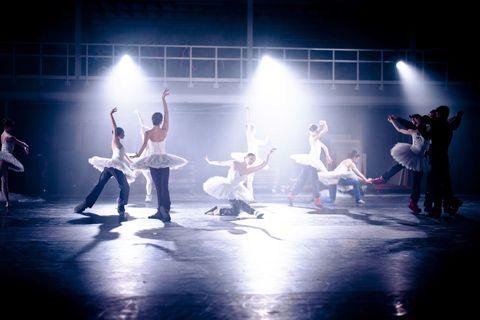 Entertainment, Performing arts, Event, Artist, Dancer, Performance, Concert dance, Choreography, Stage, Performance art,