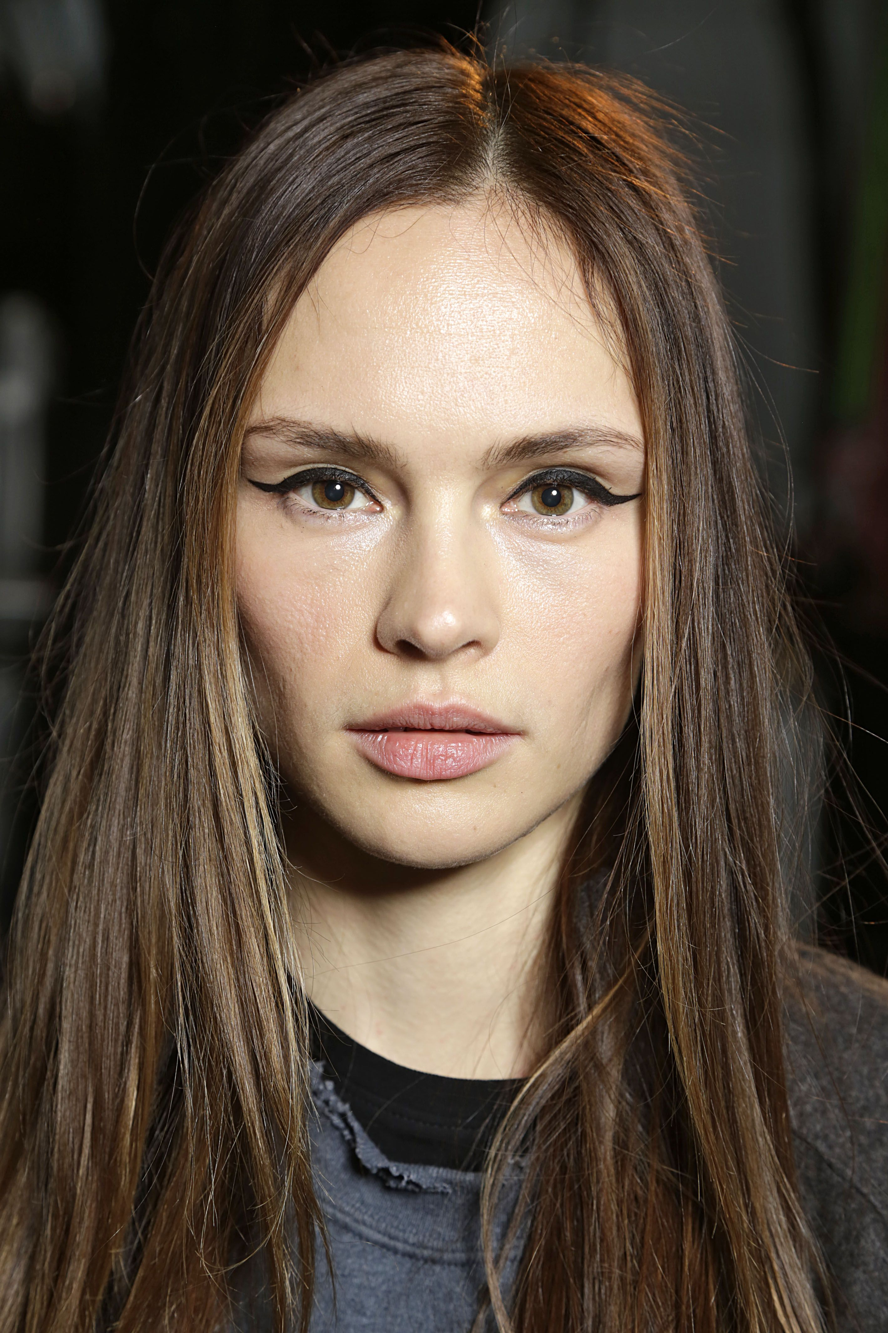 Best Fall Makeup Trends: Eyes, Lips And Skin