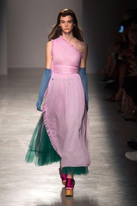 Fashion show, Shoulder, Textile, Joint, Magenta, Purple, Style, Formal wear, Fashion model, Runway,