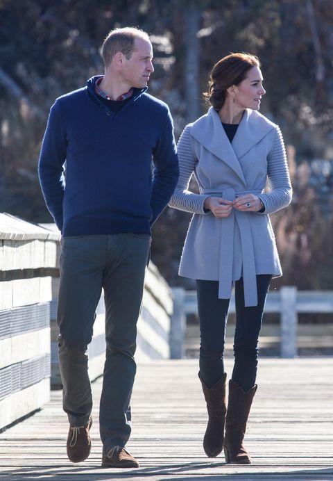 Clothing, Footwear, Leg, Product, Sleeve, Trousers, Human body, Collar, Winter, Shoe,