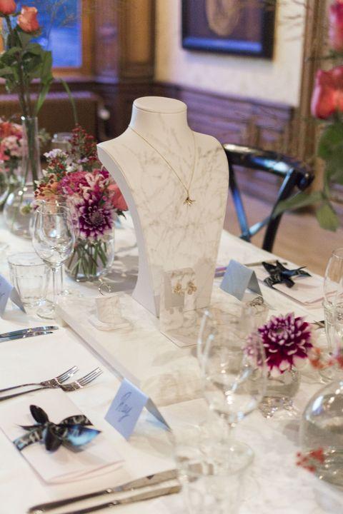 Glass, Tablecloth, Petal, Stemware, Drinkware, Floristry, Serveware, Centrepiece, Dishware, Cut flowers,