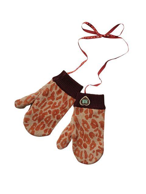 Finger, Wrist, Pattern, Thumb, Gesture, Sock, Toy,