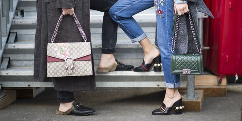 Clothing, Footwear, Leg, Trousers, Shoe, Human leg, Bag, Textile, Denim, Outerwear,