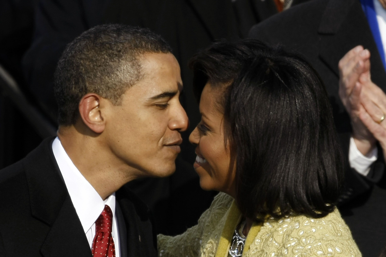 Dit is waarom we onze ogen dicht doen tijdens het kussen