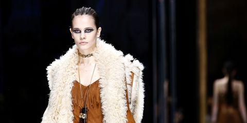 Fashion model, Fashion, Fur clothing, Fur, Haute couture, Fashion show, Runway, Fashion design, Event, Outerwear,