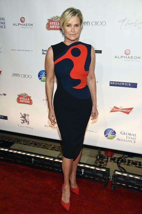 Clothing, Dress, Cocktail dress, Shoulder, Red carpet, Carpet, Joint, Fashion, Little black dress, Footwear,