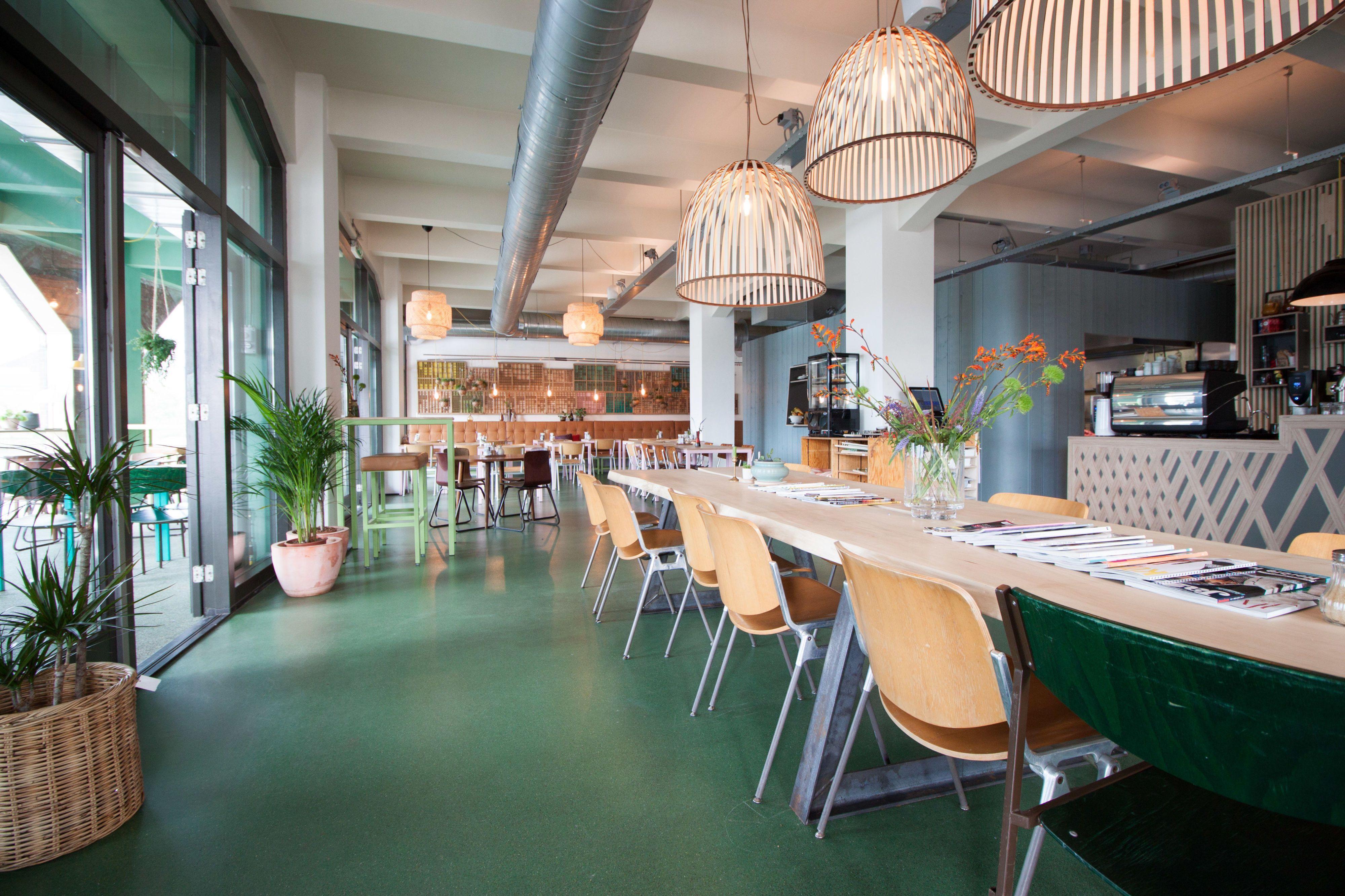 Gezellig Knus Dakterras : Deze kantoorpanden hebben een heerlijk dakterras voor de zomerse