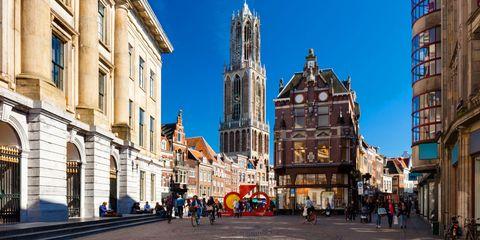 City, Landmark, Town, Building, Architecture, Human settlement, Metropolis, Metropolitan area, Urban area, Neighbourhood,