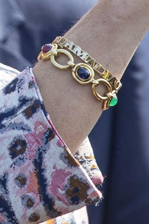 armband maxima 40 jaar Het ontroerende verhaal achter de armband van koningin Máxima armband maxima 40 jaar