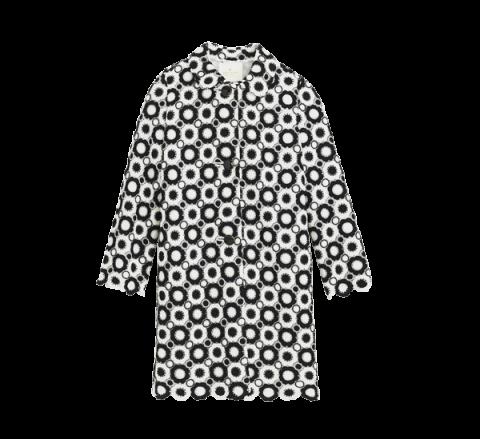 <p>長版外套,KATE SPADE NEW YORK。</p><p>幾何風加上黑白配是 Lloyd 近期最愛。</p><p>Katespade.com</p>