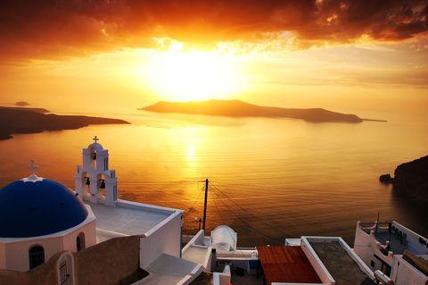 <p>希臘一直都是度假勝地,聖托里尼的夕陽也是大家的口袋名單之一。</p>