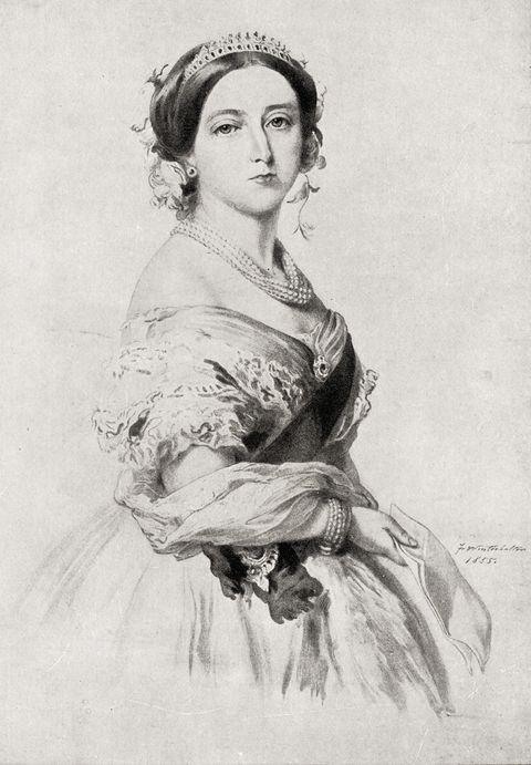 <p>女王戴上塗有玫瑰精油的手套,來保持芳香動人。</p>