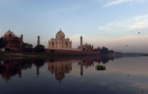 <p>「Welcome to Incredible India」這是印度旅遊局的官方標語,放下你對他全部的既有印象和認知,無論宗教、食物、人文和建築,徒步探索,重新定義印度。</p>
