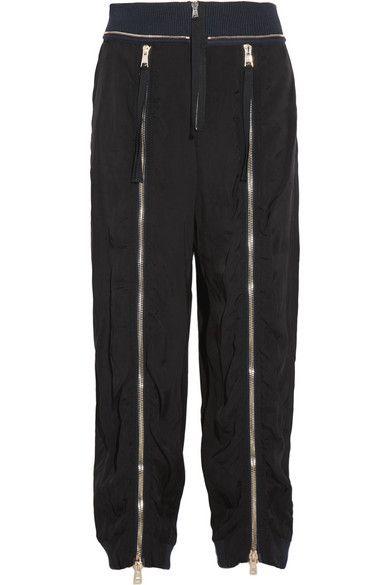拉鍊綴飾休閒長褲,約NT41,780,Chloé at Net-A-Porter。
