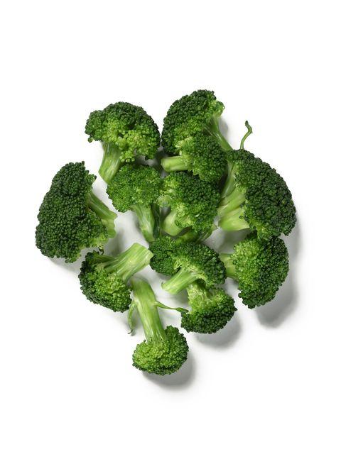 <p>          這些小樹叢對你的健康還不錯,但他們很容易導致人人避之唯恐不及的脹氣問題。要對抗脹氣的話不坊試試看高麗菜、洋蔥、燕麥、杏仁、朝鮮薊等等。  </p>