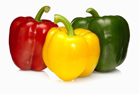 <p>          茄屬植物—像胡椒、馬鈴薯和茄子—常被認為是引起發炎的根源,並很有可能在之後引起嚴重的併發症(心臟病、癌症、糖尿病等等)。此外,甜椒含有龍葵素,一種可以阻礙神經系通運作的生物鹼,並且會導致抽蓄和痙攣。  </p>