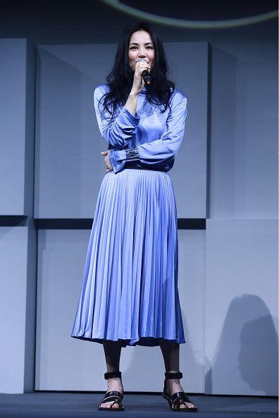 <p><span>北京記者會上,身穿鍾愛的Céline淺紫連身裙,絕倫氣質隨之飄散,經典不垂的時尚品味絕對是有目共睹。</span></p>