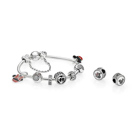 Jewellery, Fashion accessory, Body jewelry, Natural material, Metal, Gemstone, Silver, Mineral, Circle, Bracelet,