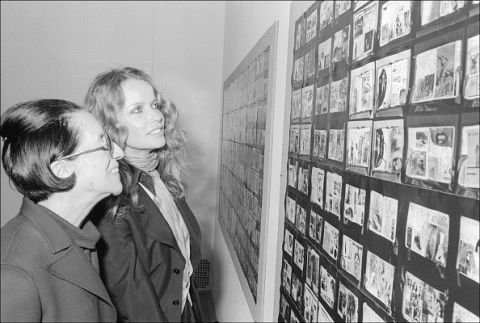 <p><span>離開《Harper's Bazaar》後,仍投身於時尚產業,打造無數的經典,每一處細節都可見其完美主義,深具遠見的她一手提拔攝影師Richard Avedon,前瞻性十足的美學觀更將Twiggy推上高峰,大大顛覆世人對模特的既定印象。</span></p>