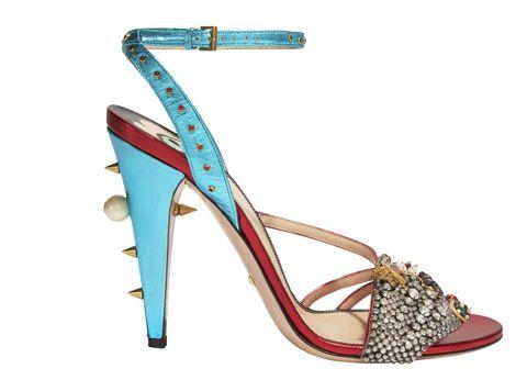 <p>鑽式皮革繫帶高跟涼鞋,約NT60,100,Gucci。</p>