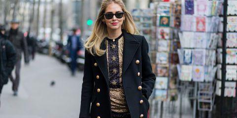 Eyewear, Vision care, Sleeve, Sunglasses, Textile, Collar, Coat, Outerwear, Style, Street fashion,